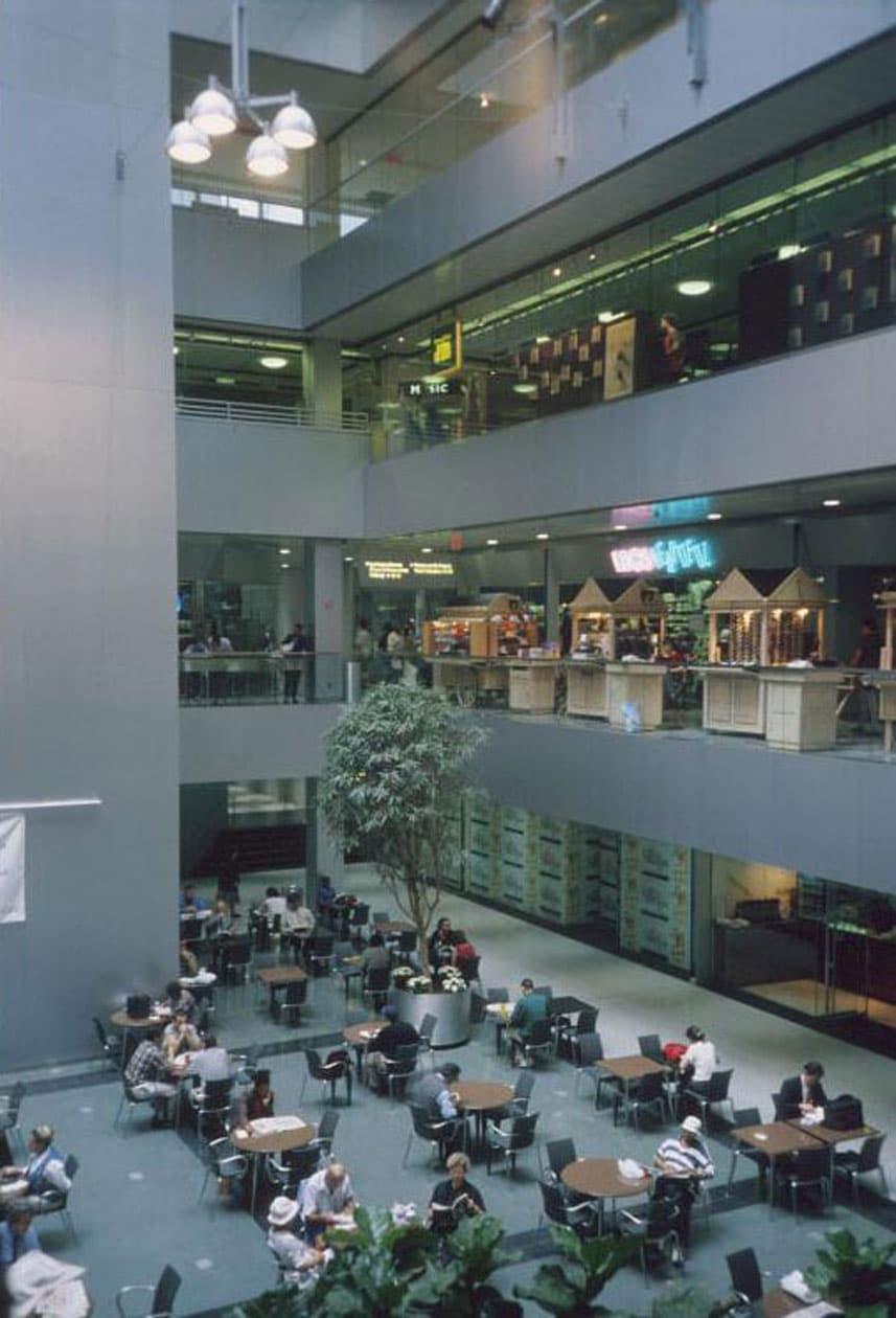 Photo: Kayden/DCP/MAS (2000)